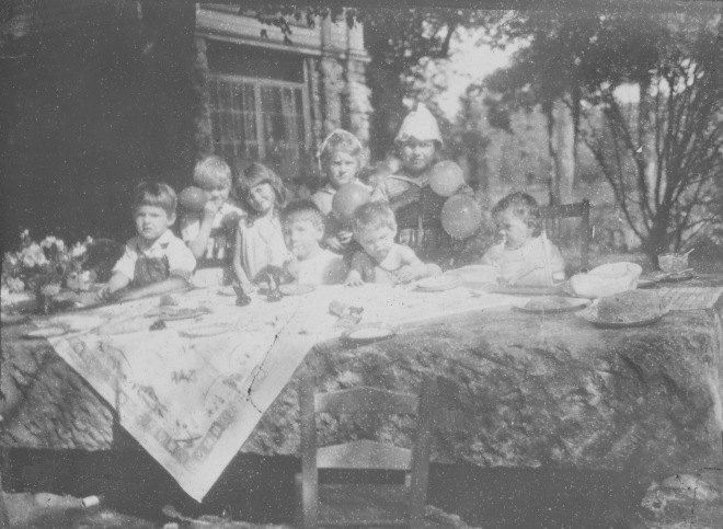 silvermine-book-last-page-photo-children-at-birthday-party-on-rock